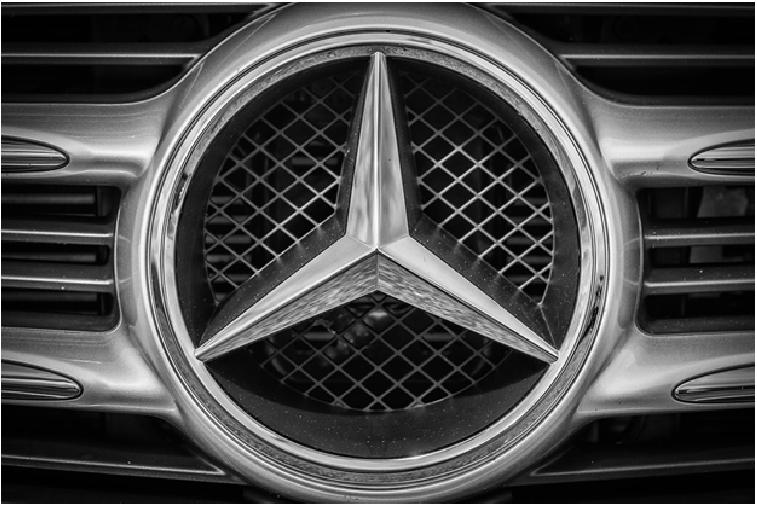 mercedes-benz-chrome-emblem.jpg